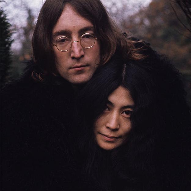самого джон леннон фото с женой социальной сети
