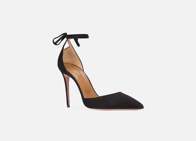 "Туфли Aquazzura<p><a target=""_blank"" href=""https://www.farfetch.com/ru/shopping/women/aquazzura--heartbreaker--item-11804781.aspx?storeid=9728&from=listing&rnkdmnly=1&ffref=lp_pic_12_28_"">Farfetch</a></p>"