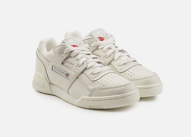 "Кроссовки, Reebok<p><a style="""" target=""_blank"" href=""https://www.stylebop.com/en-gb/women/workout-vintage-leather-sneakers-285895.html?ranMID=35563&tmad=c&tmcampid=17&tmclickref=Hy3bqNL2jtQ&campaign=affiliate/linkshare/uk&utm_source=linkshare_uk&utm_medium=affiliate&utm_campaign=Hy3bqNL2jtQ&utm_content=1&ia-pmtrack=50440005&ranSiteID=Hy3bqNL2jtQ-WDsOcF8DK9K1Lrd4SpQBNA"">stylebop.com</a></p>"