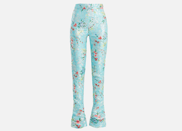 "Брюки, Halpern<p><a style="""" target=""_blank"" href=""https://www.matchesfashion.com/products/Halpern-Floral-print-high-rise-kick-flare-trousers-1185426"">matchesfashion.com</a></p>"