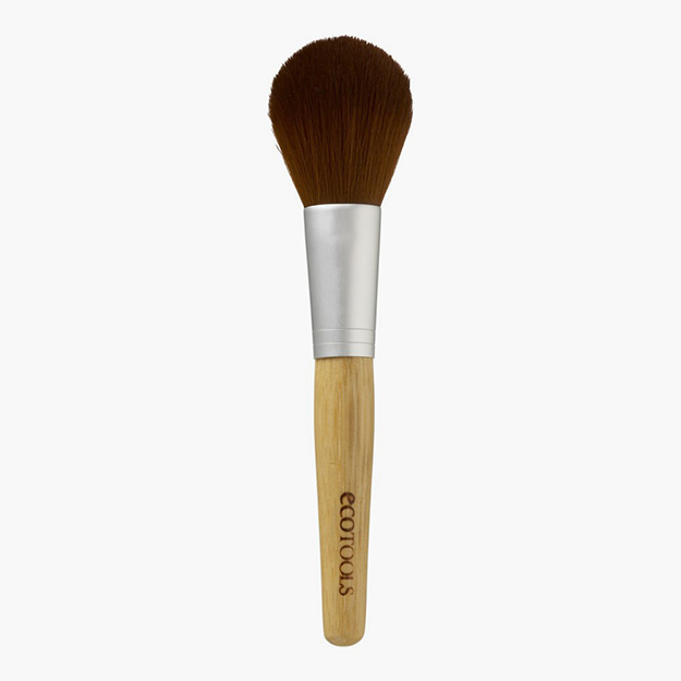 Precision Blush Brush, 564 руб.