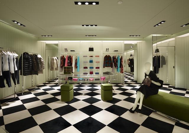 e11202439714 В Санкт-Петербурге открылся первый магазин Prada   Buro 24/7