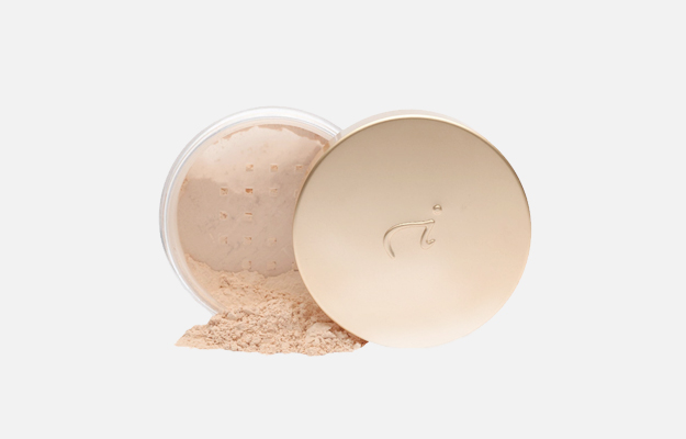 Amazing Base Loose Mineral Powder SPF 20 от Jane Iredale, 3 255 руб.