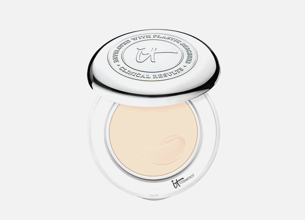 Confidence in a Compact with SPF 50+ от it cosmetics, 2245 руб.