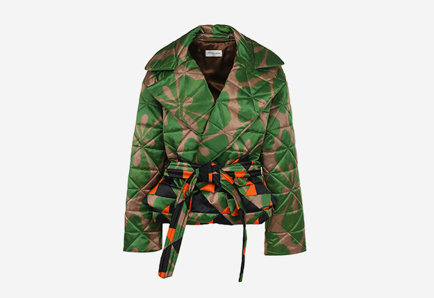 DRIES VAN NOTEN<p><a style=""\"" target=""_blank"" href=""https://www.tsum.ru/catalog/kurtki-2506/steganaya_kurtka_s_poyasom_i_printom-5214818-color-raznotsvetnyy.html"">ЦУМ</a></p>625|430|?|151947639a1d2571776b1b4f5f7d3b80|False|UNLIKELY|0.3015417456626892