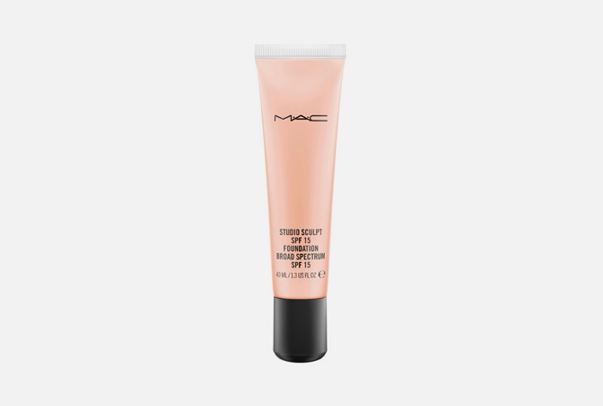 Studio Sculpt SPF 15 Foundation от M.A.C, 2 740 руб.