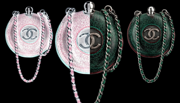 В коллекции Chanel pre-fall 2013 необычных аксессуаров было хоть отбавляй, от твидовых брошей до грубых ботинок на...