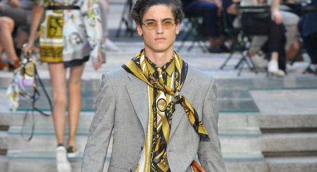 Versace, весна-лето 2018 — обзор Buro 24/7