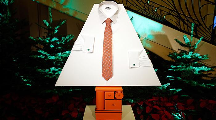 Парад елок на Елисейских Полях: от Chanel, Jean Paul Gaultier, Emanuel Ungaro и других
