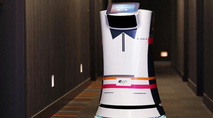 Первый дроид-дворецкий A.L.O. в отеле Aloft Cupertino