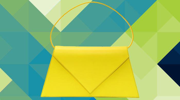 Объект желания: сумка-конверт Triangle от Loewe
