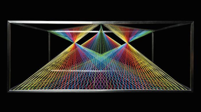 Преломление света в радужном столе от MN Design