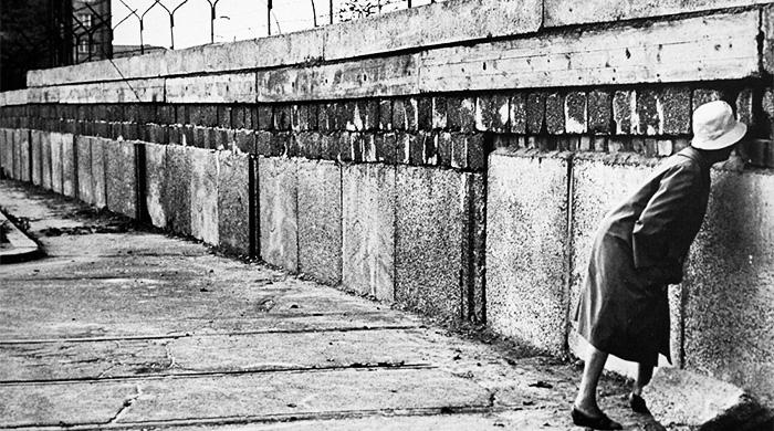 Пол Гринграсс снимет фильм о побеге за Берлинскую стену