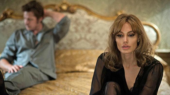"""Первые кадры: Анджелина Джоли и Брэд Питт в новой киноленте """"У моря"""""""