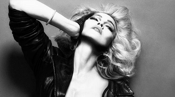 Новый альбом Мадонны попал в Сеть