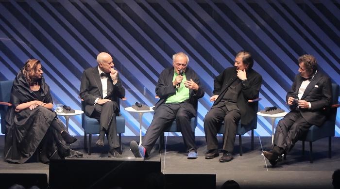Церемония присуждения Притцкеровской премии Фраю Отто