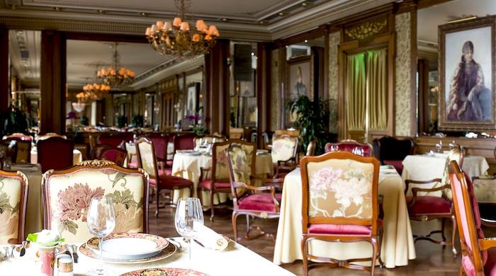"""Ресторан """"Пьяцца Росса"""": традиционная итальянская кухня с видом на Кремль"""