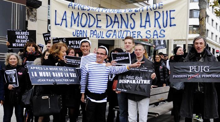 Сотрудники дома Jean Paul Gaultier вышли на демонстрацию