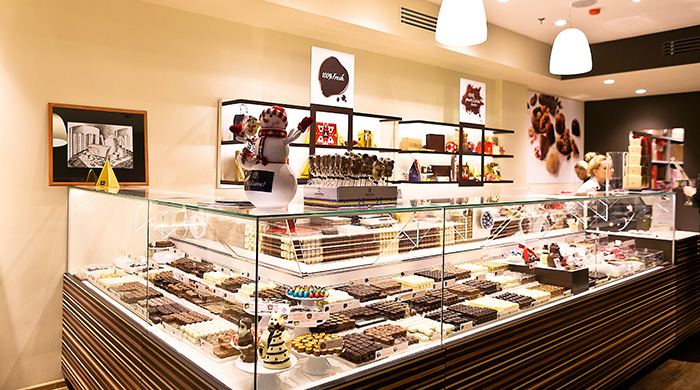 В Столешниковом открылось кафе-бутик бельгийского шоколада Leonidas