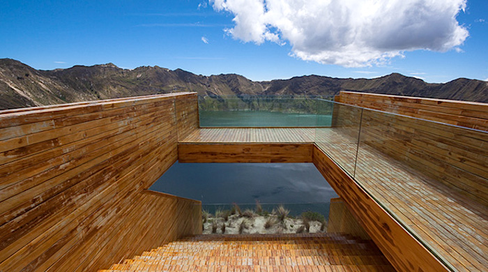 Дизайнерская смотровая площадка над озером Килотоа в Эквадоре