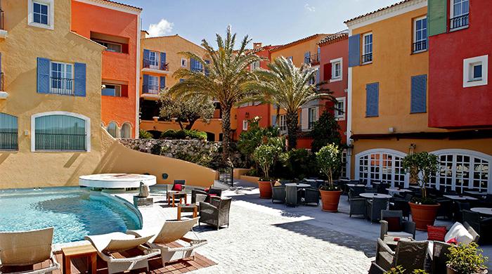 Живая легенда: отель Byblos Saint-Tropez