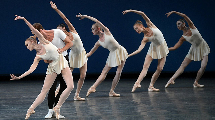 Сара Бертон, Мэри Катранзу и Валентино Гаравани создадут балетные костюмы